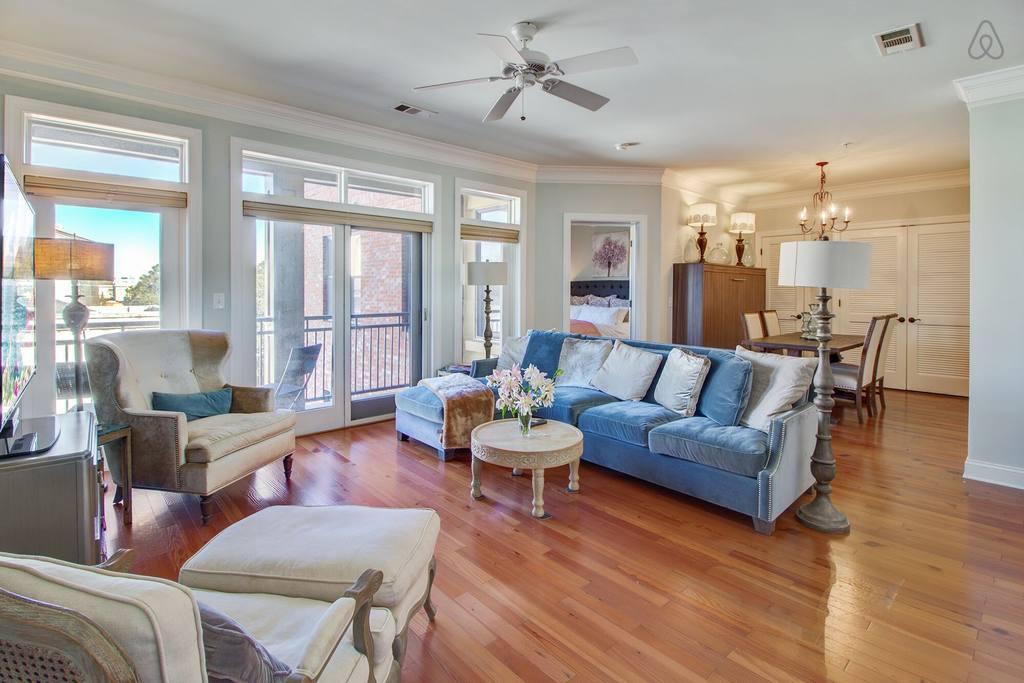 Airbnb Charleston front room