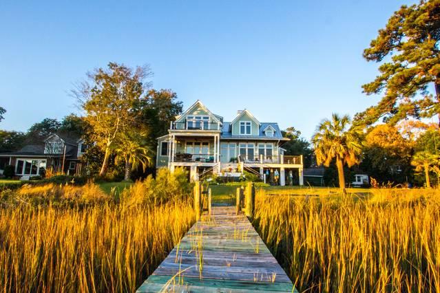 Airbnb Charleston house