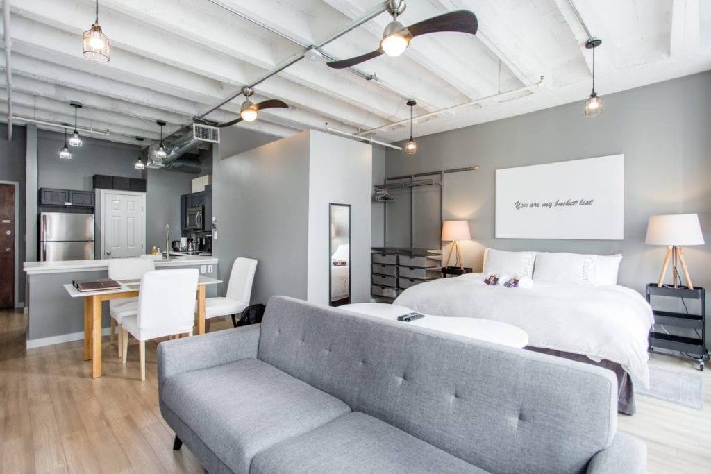 spacious apartment atlanta airbnb