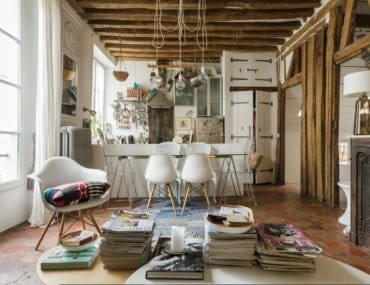 18th century styled livingroom