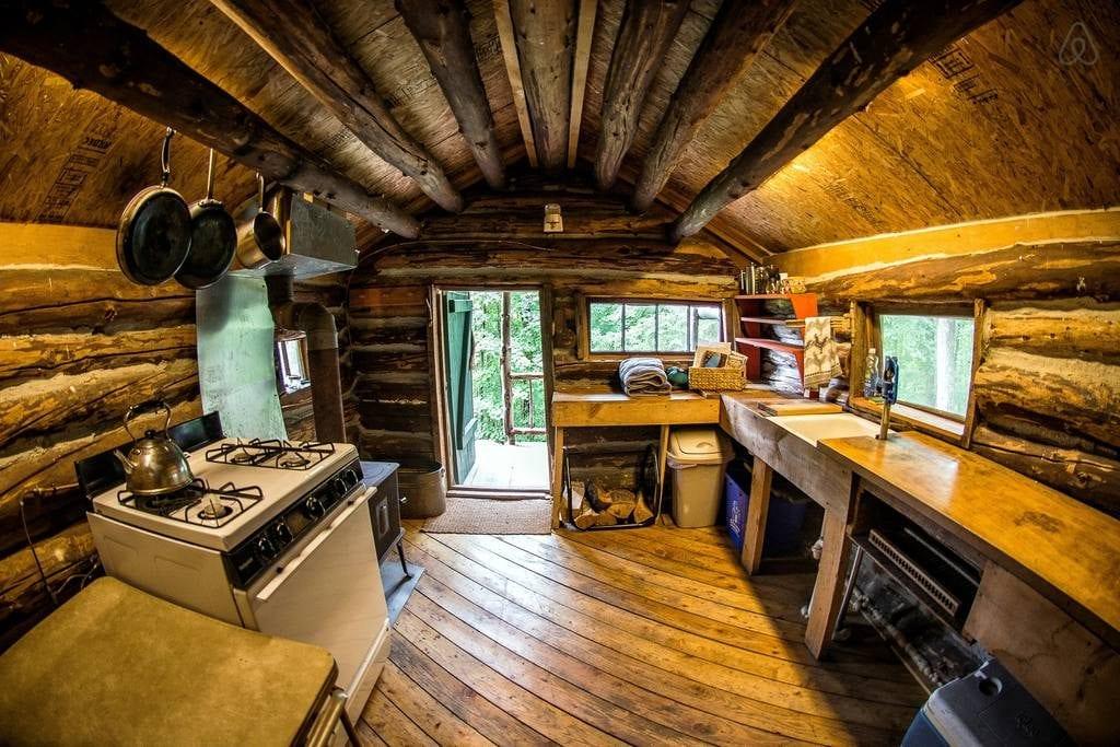 Mountainside-Retreat-Cabin
