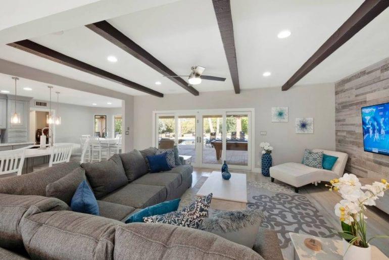 villa scottsdale airbnb