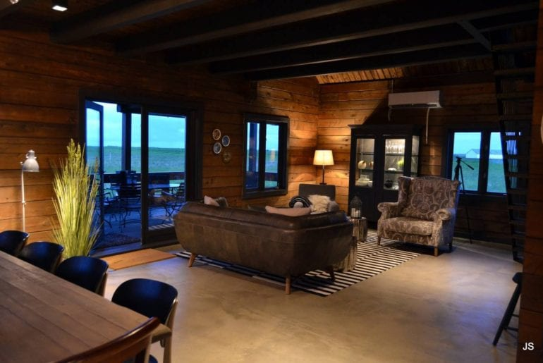 Cabin golden circle iceland airbnb