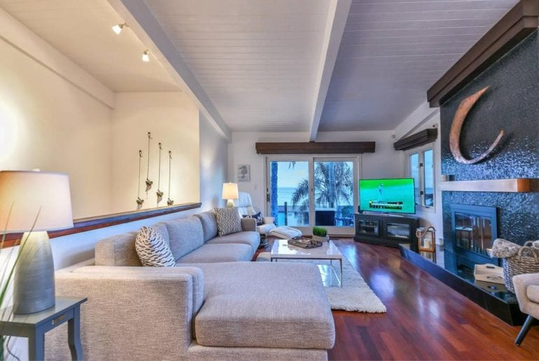surfer airbnb home in malibu with pool