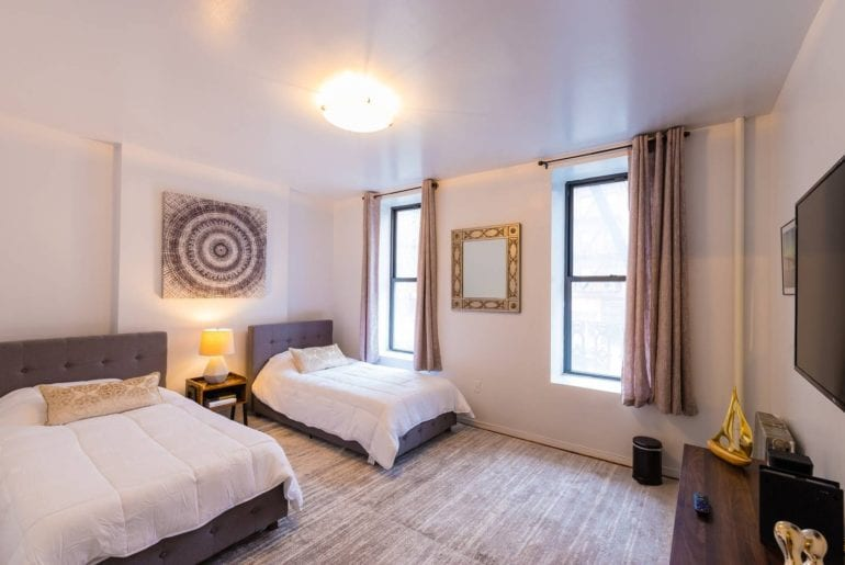 midtown west airbnb times square apartment new yoek city