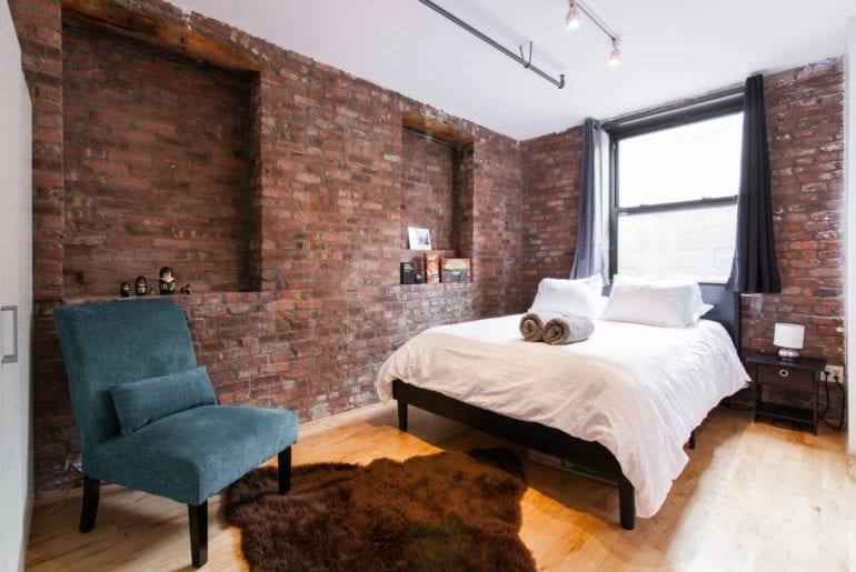 oversized waterfront airbnb loft in brooklyn