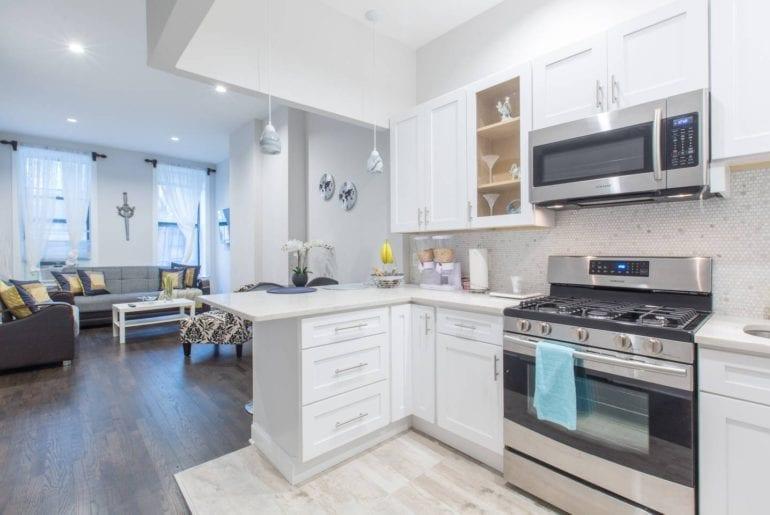 luxury harlem brownstone airbnb new york city