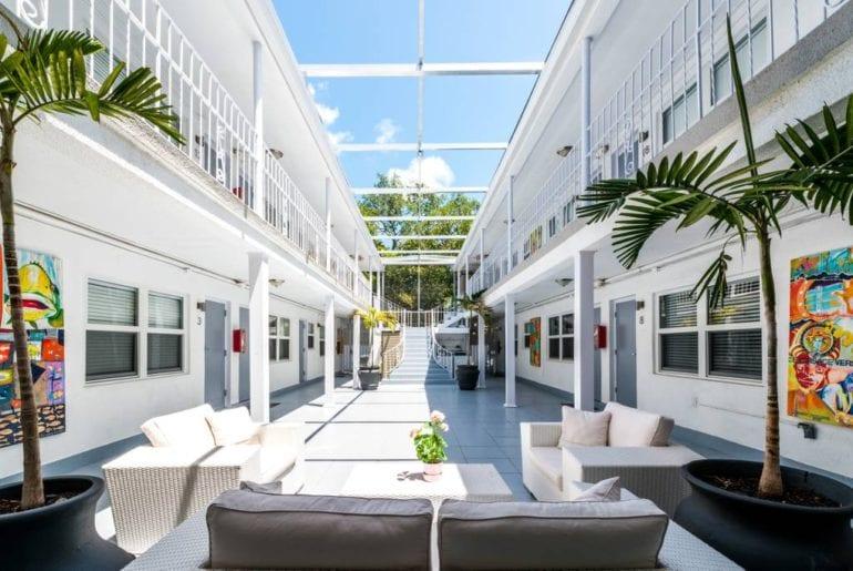 miami mimo airbnb apartment