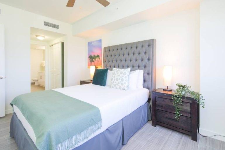luxury condo airbnb hollywood florida