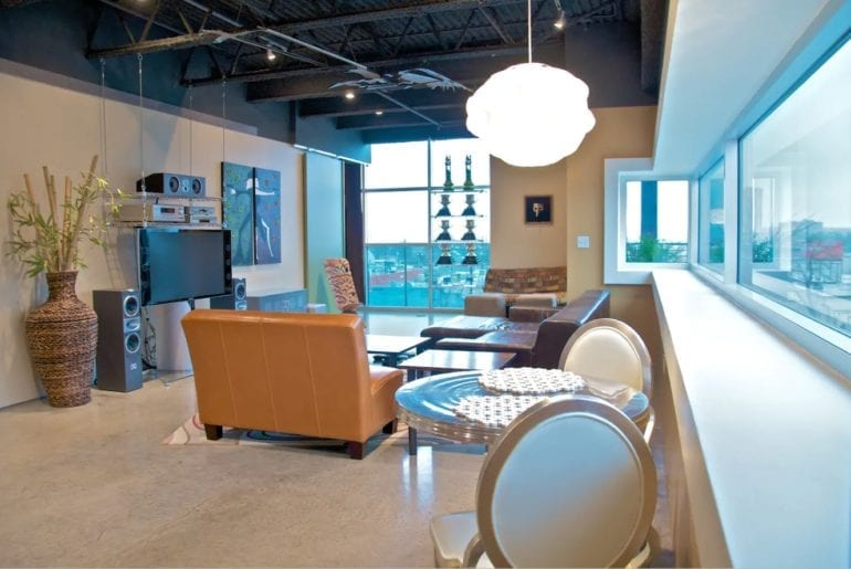 Bright floor plan with a stunning view of the surrounding area. Austin Hilton