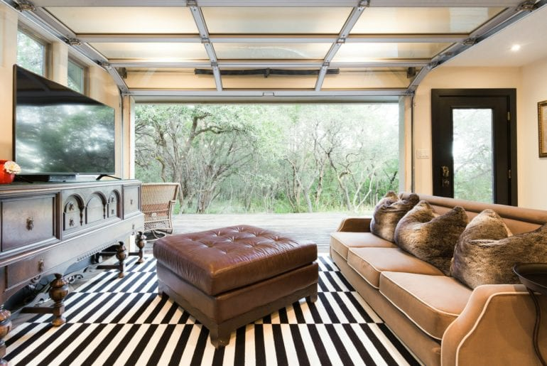Austin Hilton Roll-up the living room wall to extend living space and enjoy the outdoors!