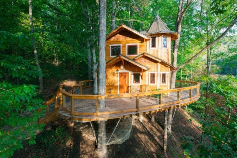 Tree House built to look like a castle