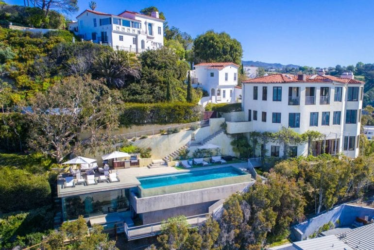villa with spectacular views airbnb palisades