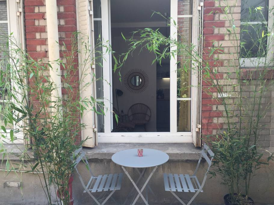 charming airbnb apartment in american district paris