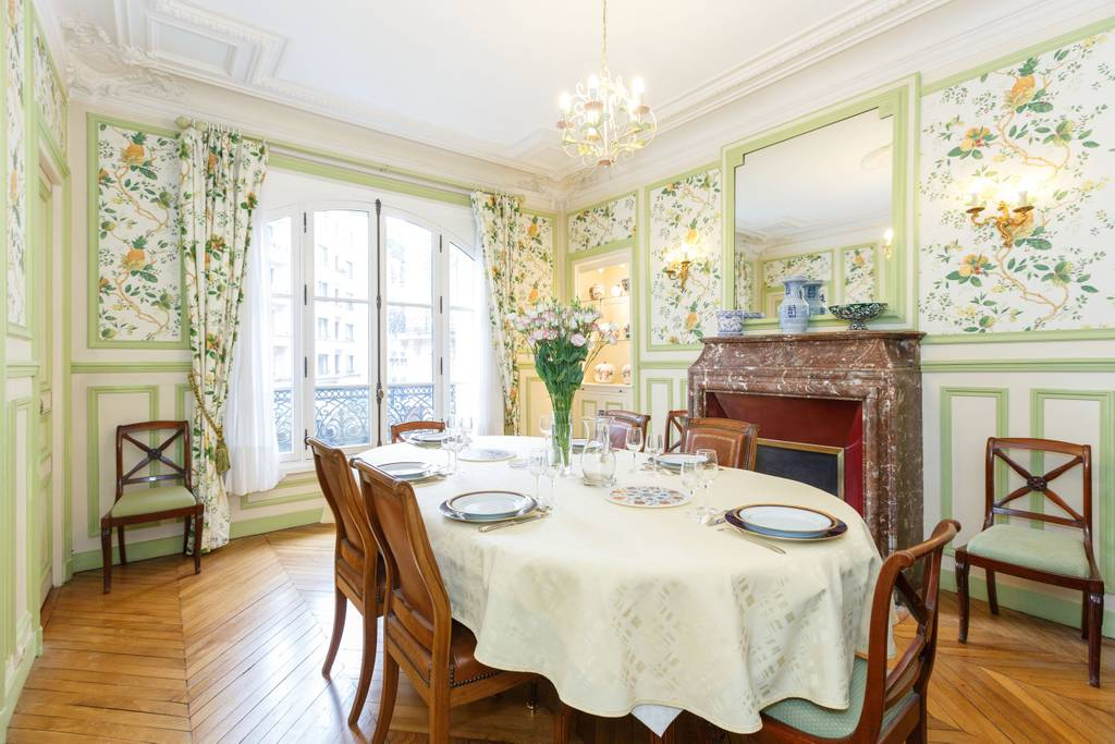 paris airbnb antique style home near museums