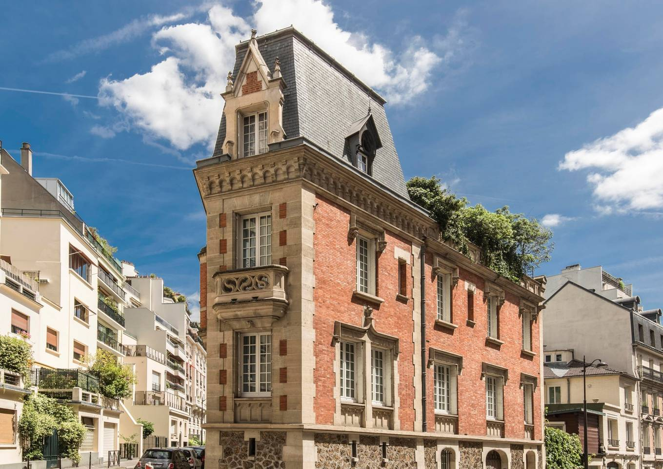 large hotel style property airbnb paris