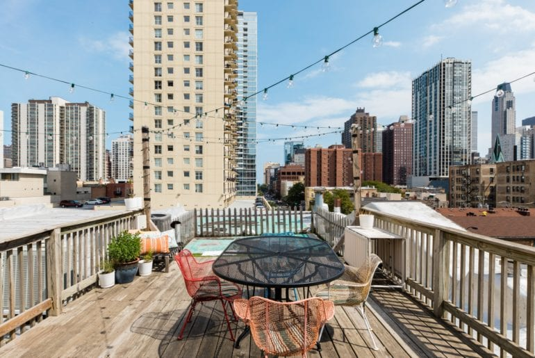 airbnb penthouse in old town chicago
