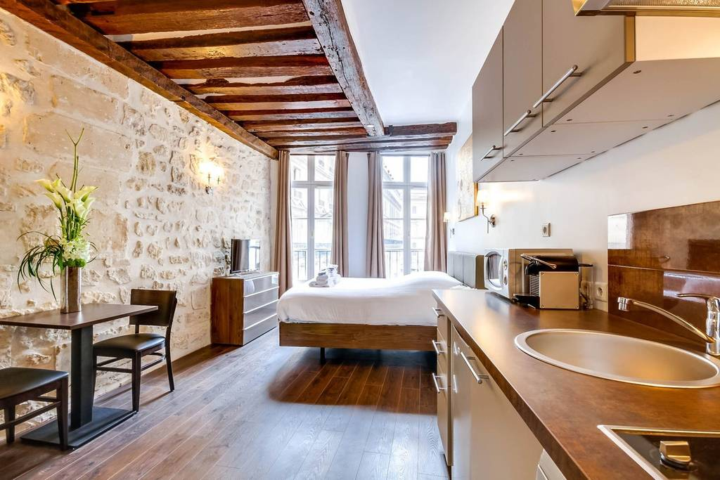 incredible paris airbnb close to upscale shopping