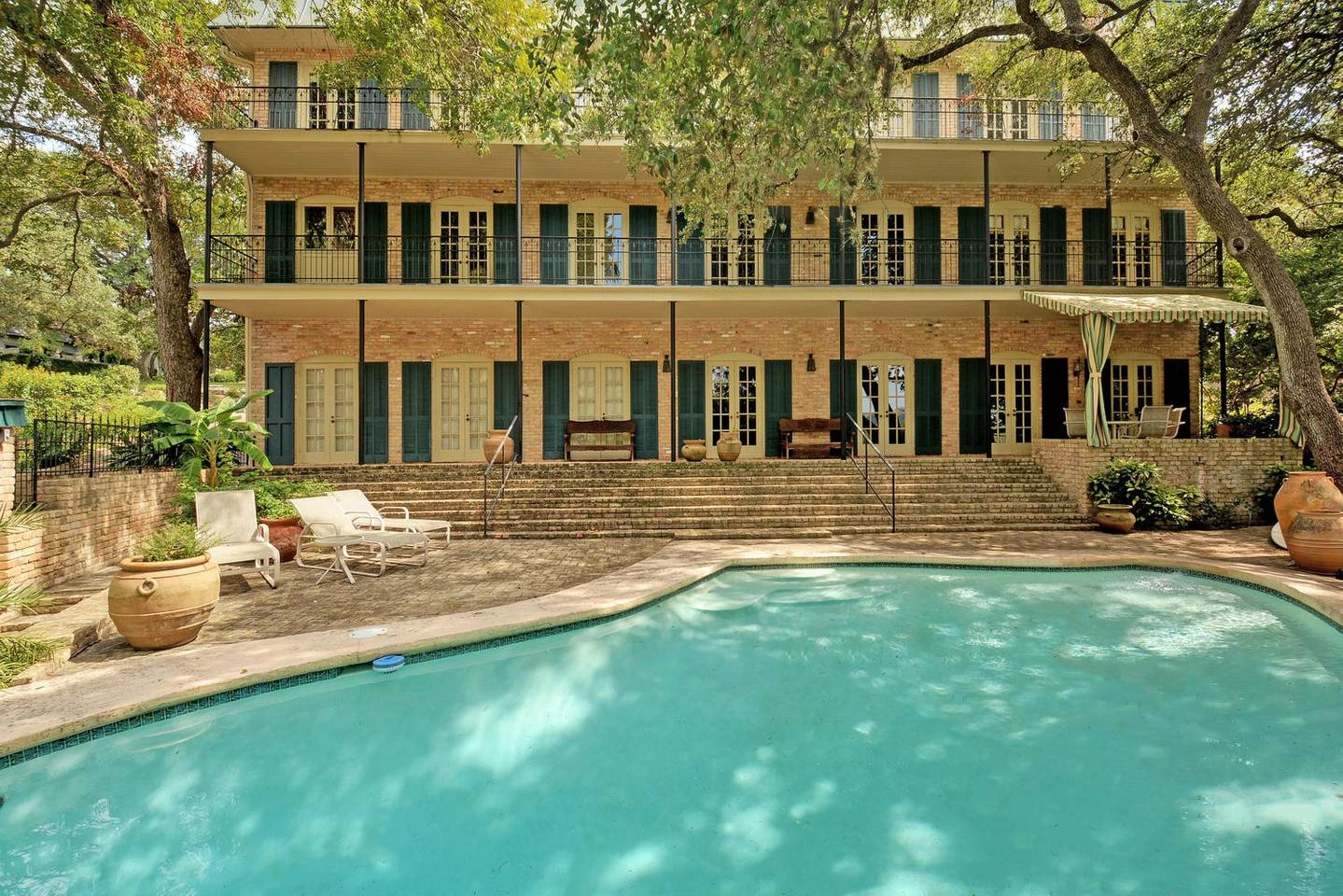 luxury airbnb lake austin