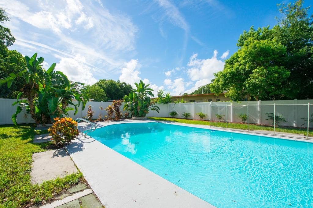bungalow with pool downtown orlando