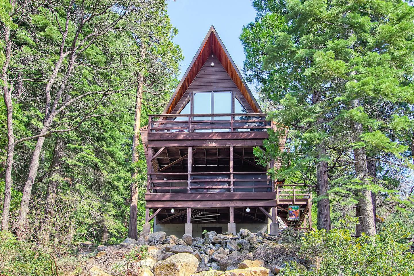 aframe airbnb home close to yosemite park