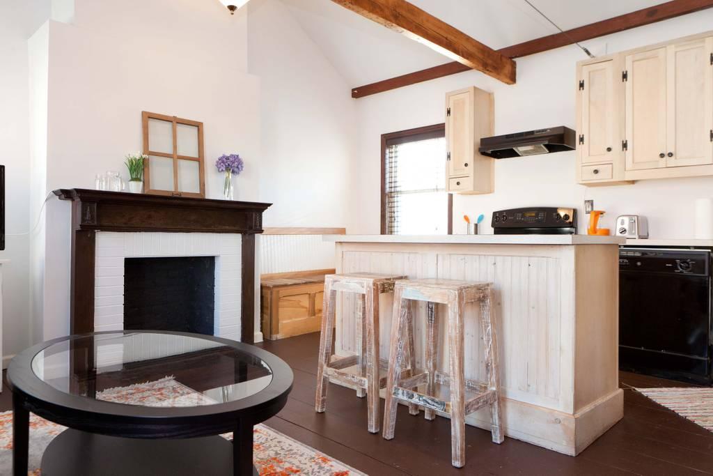airbnb art deco farm house close to long island new york