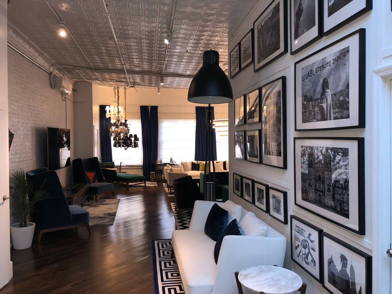 monochromatic apartment near attractions nyc
