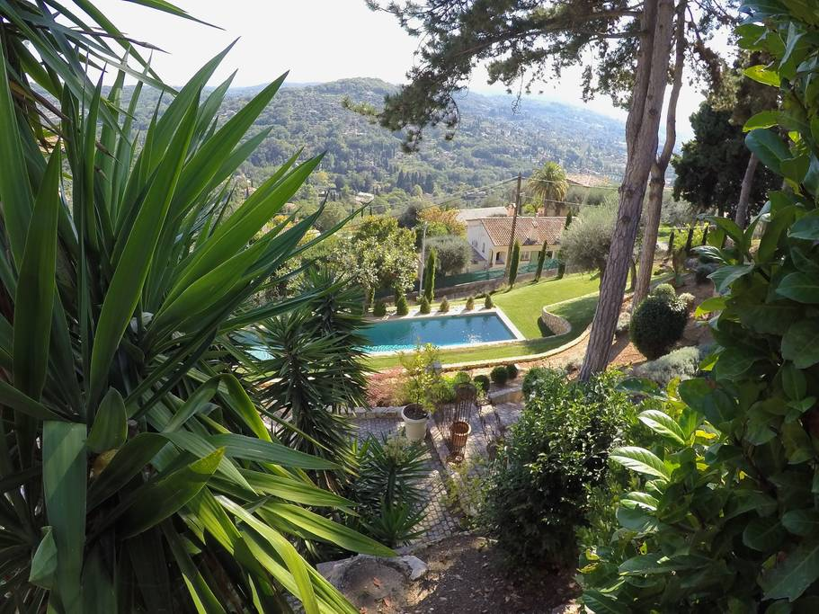 airbnb mansion in the hills of provence