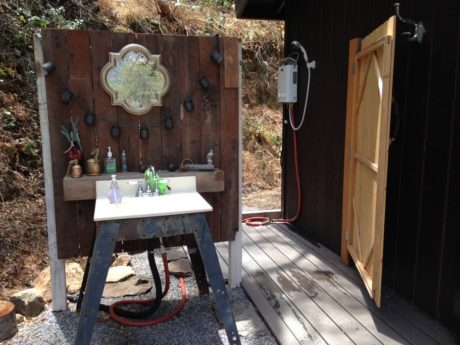 airbnb cabin on Sequoia National Park