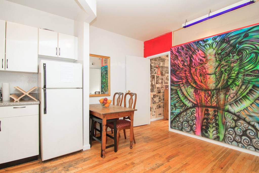 funky apartment in NY alphabet city airbnb