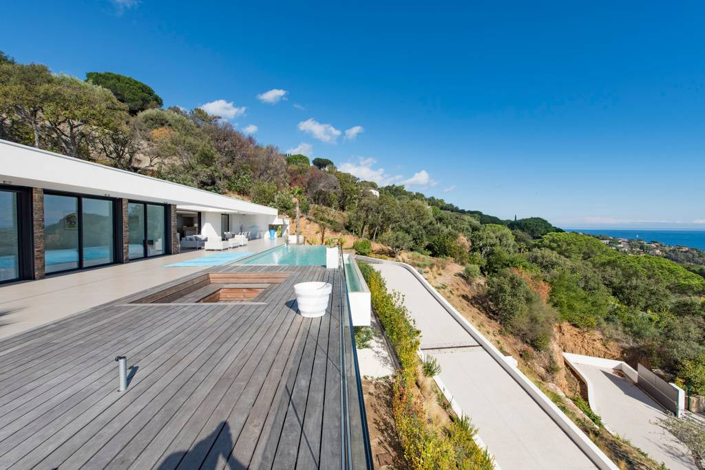 st tropez airbnb home with pool