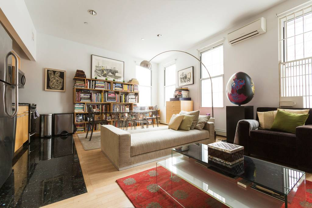 upscale modern airbnb apartment in the middle of ny soho
