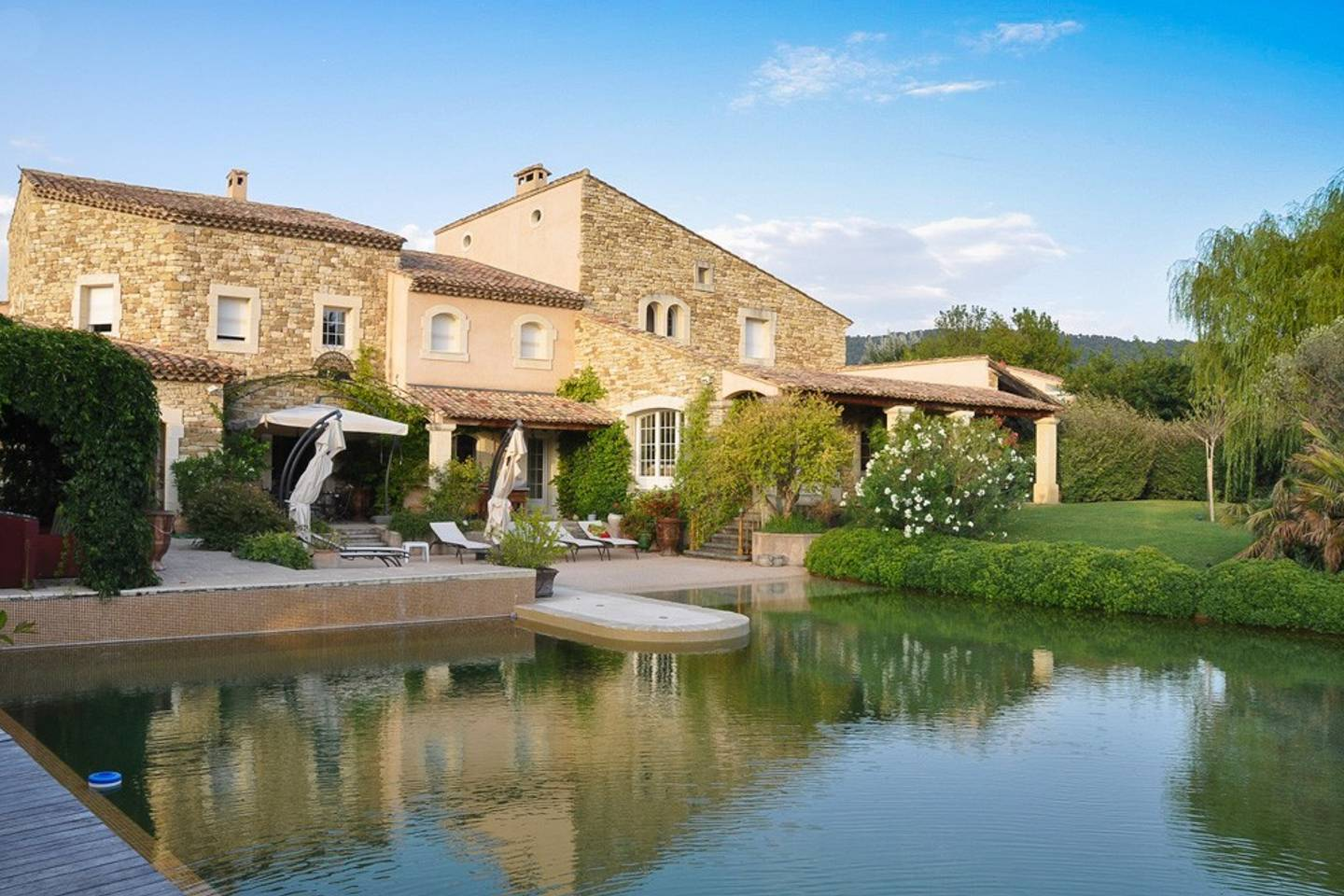 gorgeous mansion like home in sablet