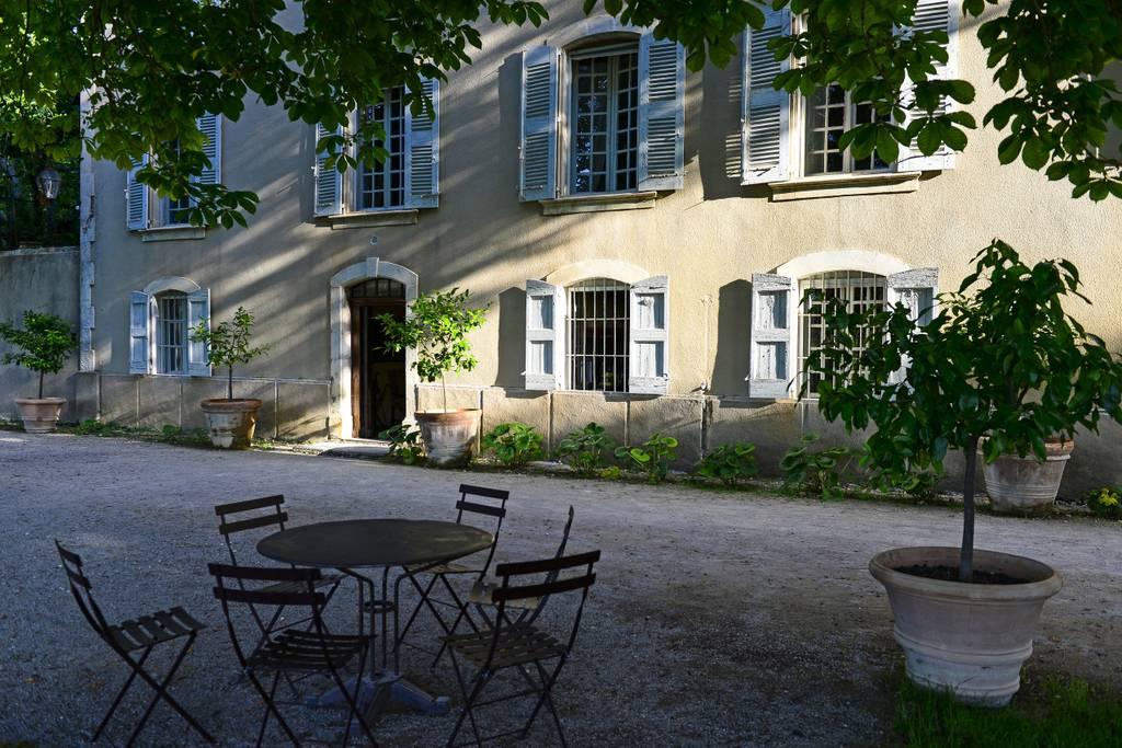 tasteful villa in heart of provence