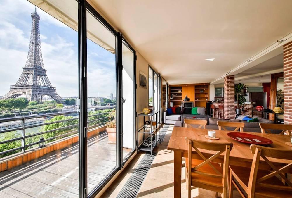 home overlooking the seine airbnb paris