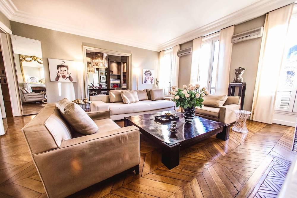 airbnb home near arc d'triomphe